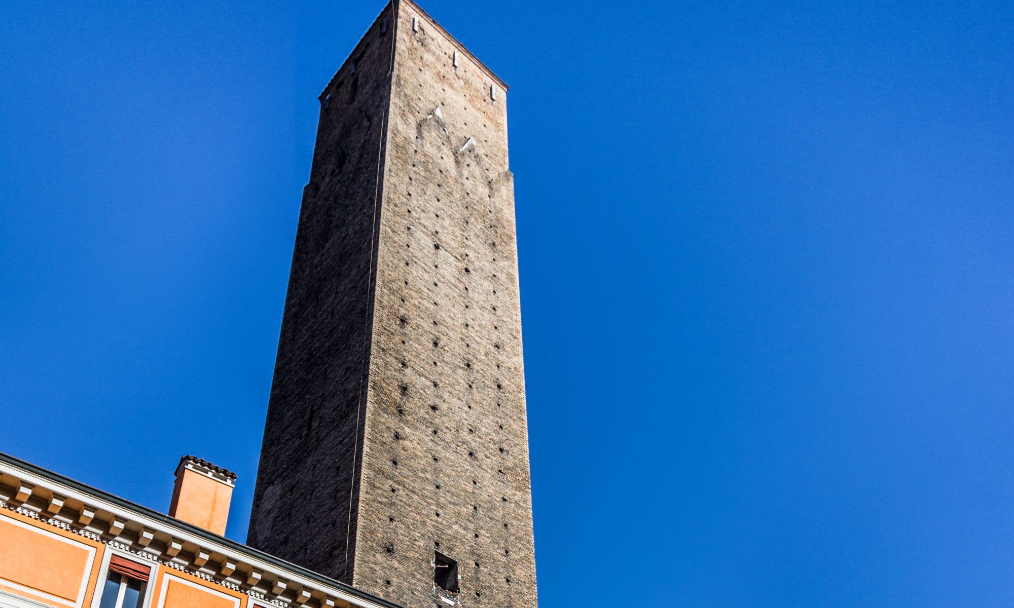 Torre Prendiparte (Torre Coronata) a Bologna